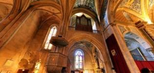 Cordes sur Ciel et Notre-Dame de Paris